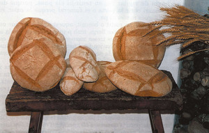 """Diversos tipus de pans ja cuits. Foto: Vicent Ribas """"Trull""""."""