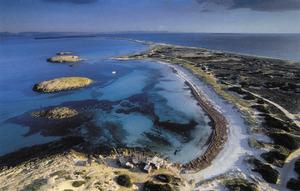 A la punta de ses Illetes, Formentera, es troben diversos accidents geogràfics anomentas pujol: el de la Punta des Pas, Negre, de na Grec, de n´Adolf... Foto: Beni Trutmann.
