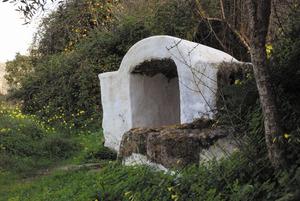 La capella de la font de Canadella, que cobreix la galeria del qanat. Foto: Antoni Ferrer Abárzuza.