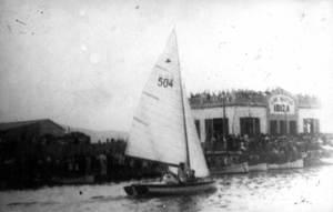 """Vela. Snipe de Francesc Costa Colomar, primer capità de la flotilla d´snipes del Club Nàutic d´Eivissa. Foto: cortesia de la família Costa """"Marc""""."""